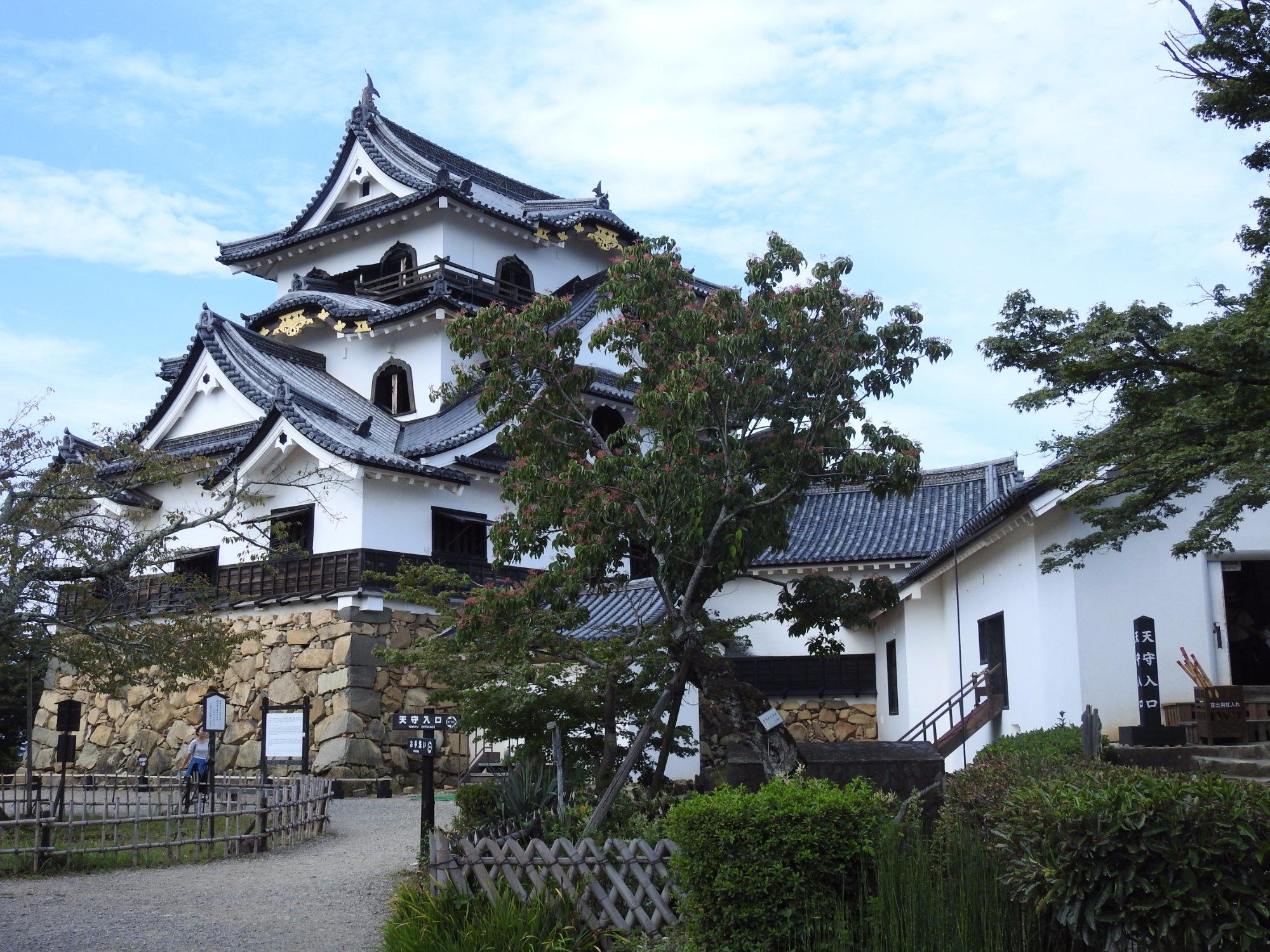 Hikone and The Castle of Lake Biwa