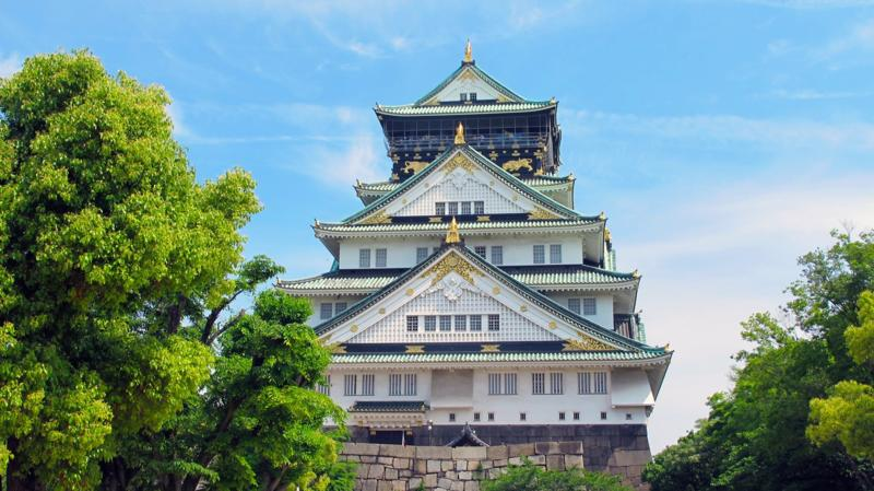 Visit and Enjoy Wakayama Castle and History: Perfect Cherry Blossom Viewing Spot